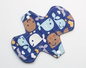 "Whales - 7"" Light Flow Pantyliner - Ultra thin Trim"