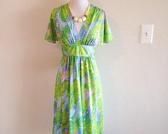Pretty Polynesian Floral Summer Hawaiian Dress Tiki Luau Vintage 1970s by Liberty House