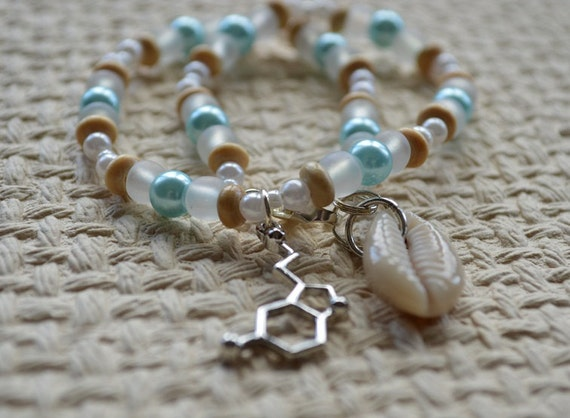 Biolojewelry - Serotonin Neurotansmitter Molecule Beach Glass, Shell, and Pearl Anklet