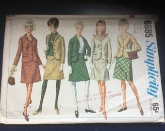 Simplicity 6685 Pattern for Women's Suit