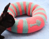 Little Tree Ugli Donut bed for small rabbits