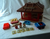 Vintage PLAYSKOOL Familiar Place Mc Donald's Drive Thru Play Set 1974 Retro Toy Collectible Car Trays Sign People Accessories