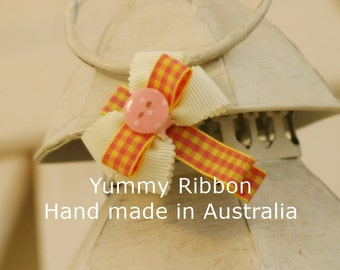 Pinky Button hair clip / infant hair bow / ribbon bow
