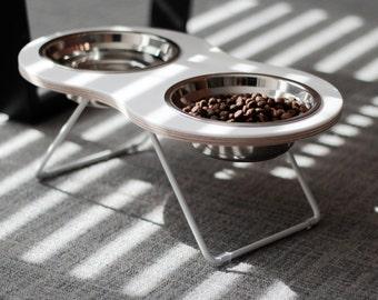 the Peanut 2 Medium Modern Pet feeder