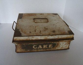 Shabby Vintage Cake Carrier