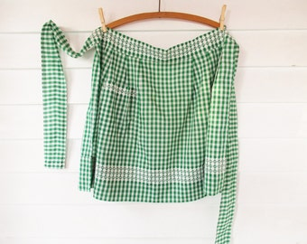 Green and White Check Gingham Apron - White Embroidered Cross-stitch Details - Collector Apron