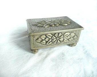 Vintage jewellery box - silver plated jewelry box - Bolivian silver trinket box - vintage Bolivian silver box - Boliviano silver box