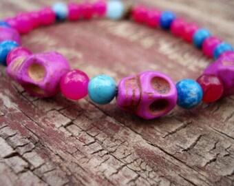 Sugar Skull Jewelry, Skull Bracelet, Glass Beaded Bracelet, Sugar Skull, Pink Bracelet, Skull Jewelry, Stretch Bracelet, Bracelet Pink