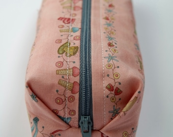 Small cotton zipper pouch, Pencil case/ makeup bag, fully lined with cotton fabric