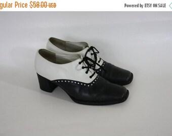 Sale Vintage Spectator Heels / Black White Leather Oxfords / Chunky Heel Oxfords / Black & White Leather Spectators