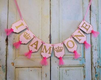I Am One Banner with Crowns, Pink and Gold Birthday Banner, Girls 1st Birthday Decoration, High Chair Banner, Cake Smash, Princess Birthday
