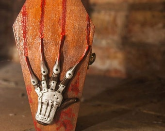 Freddy Krueger Coffin Nightmare on Elm Street Box Horror Storage Bloody Red Green