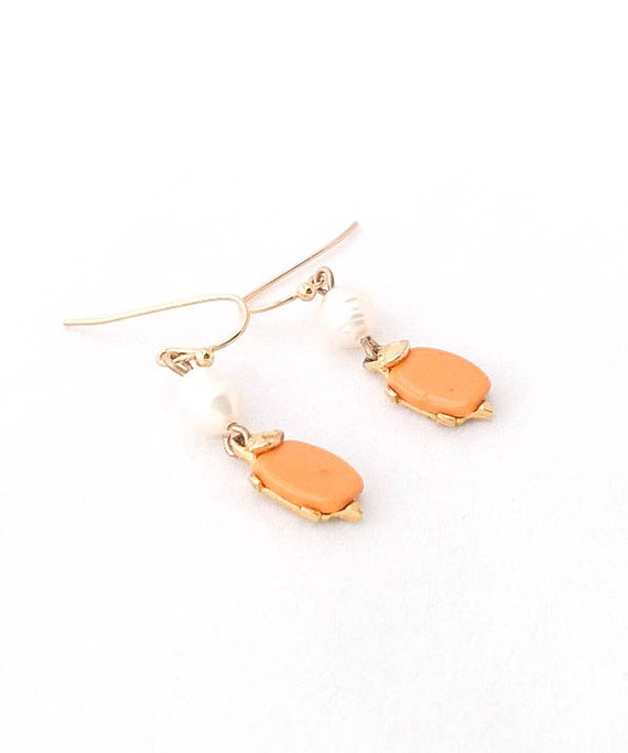 Vintage Orange Lucite gold leafed turtle with fresh water pearl dangle gold tone earrings