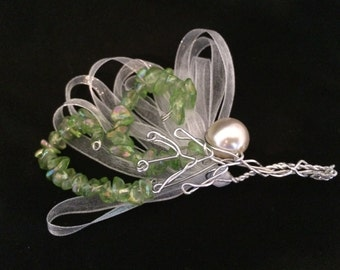 Unique Wire and Beads Boutonniere