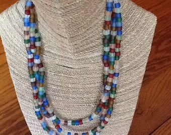 Multicolored frosted glass beaded necklace