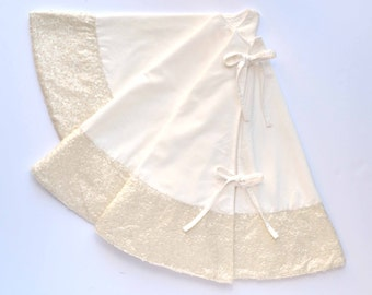 White velvet tree skirt