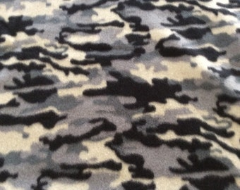 "60""x60""fleece black camo blanket"