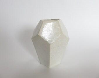 White crystal diamond flower vase, Ceramic vase, Ceramics and Pottery, geometric minimalist