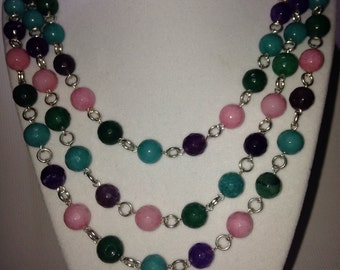 Colorful linked necklace