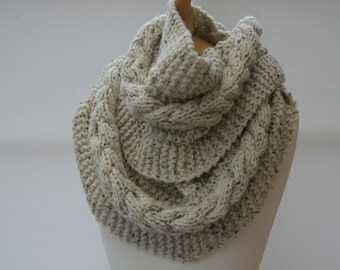 Chunky Knit Oatmeal infinity scarf, Long scarf, Chunky knit scarf, Knitted Oatmeal snood/ready to ship
