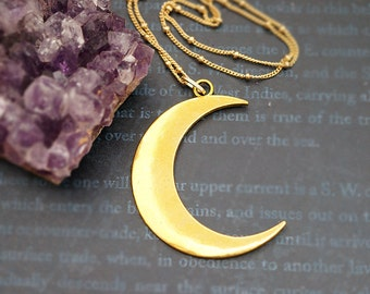 Vintage Gold Crescent Moon, Celestial Moon, Simple & Chic, Moonchild Boho Necklace