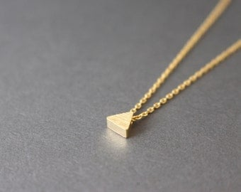 Tiny triangle necklace // gold Triangle necklace - Geometric jewelry
