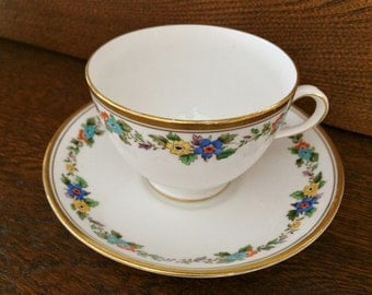 ANTIQUE TUSCAN TEACUP - 1920's - Garland of Flowers - Made in England - Bone China