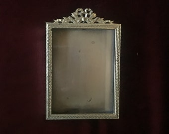 Vintage French Country Ribbon Ornate Picture Frame
