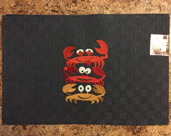 Stacked Crabs Placemat..Table Centerpiece..Table Linens..Beach Decor..Gift