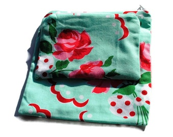 Reusable Sandwich and Snack Bags Set of 2 Green Red Roses Zipper