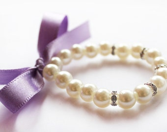 Flower girl pearl bracelet, lilac lavender bracelet, flower girl bracelet, little pearl bracelet, wedding gift, bridesmaid ivory white pearl