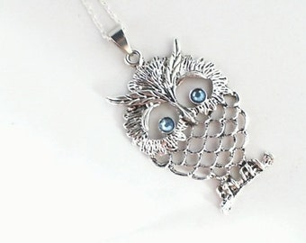 Necklace Owl with blue Eyes