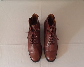 SALE...20% OFF - chestnut leather ankle boots | lace up boots | 7.5