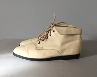 bone white fold over ankle boots | leather lace up boots | 9.5