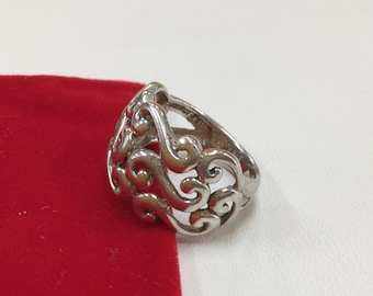 925 Sterling Silver Woman's Swirl Ring!!!  Size 7!!!!
