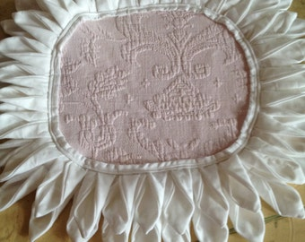 pair of ruffled place mats/ doilies
