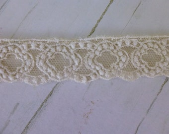 Creamy Lace Trim