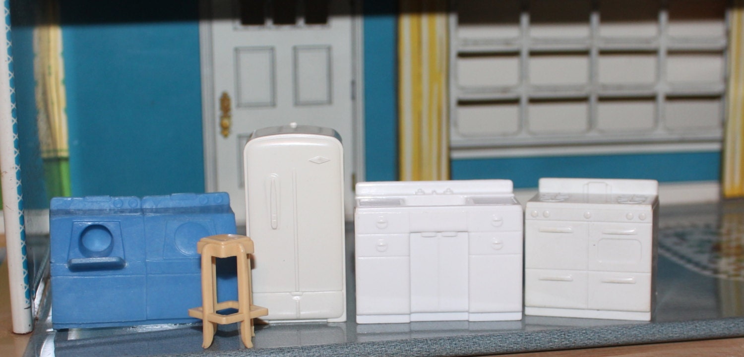 Marx Old Hard Plastic Dollhouse Furniture Kitchen Tin Litho