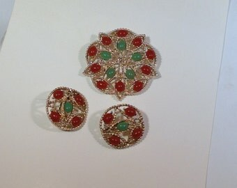 Green and Brown Sarah Coventry Brooch Set