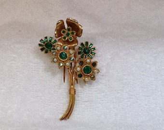 Green and Pearl Fur Clip