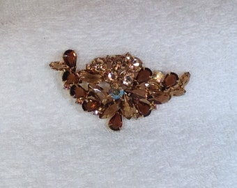 Light and Dark Brown Colored Vintage Brooch