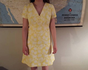 Vintage Yellow Sundress with back zipper!