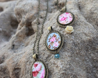 Vintage Floral Fabric Necklace