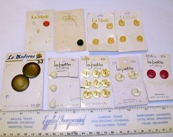 Vintage 'La' buttons: La Mode, La Moderne & la petite
