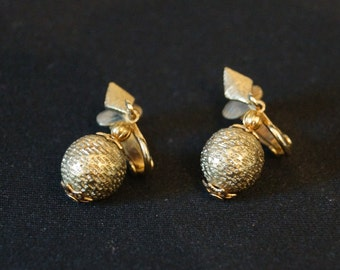 Vintage Gold Ball Clip-on Earrings