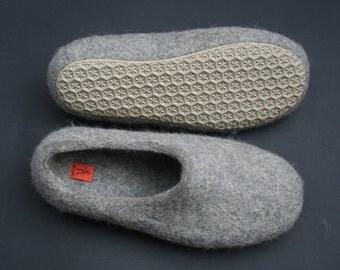 Men felted slippers size US 15 (29 cm)