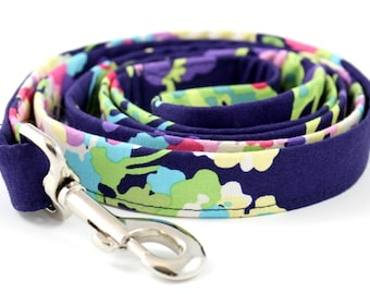 "Purple Spring Summer Floral Dog 5 ft Leash ""Daisy Me Rollin'"""