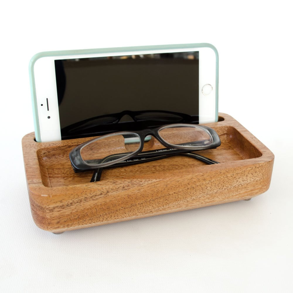 wooden iphone dock in mahogany docking station small. Black Bedroom Furniture Sets. Home Design Ideas