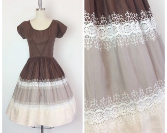 50s Brown Tiered Cotton Day Dress / 1950s Vintage Fit and Flare Summer Sun Dress / Medium / Size 6