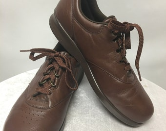 SAS Handsewn Free Time Shoes in size 8.5N